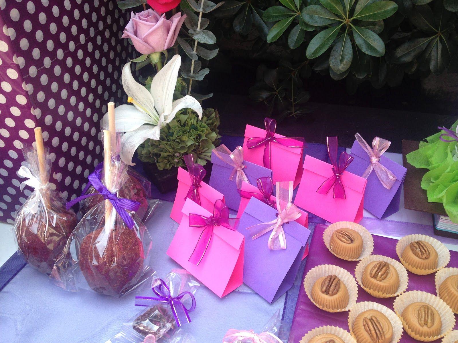 Mesa de dulces. Martes de bodas. Boda en morado y lila | | Bodas ...