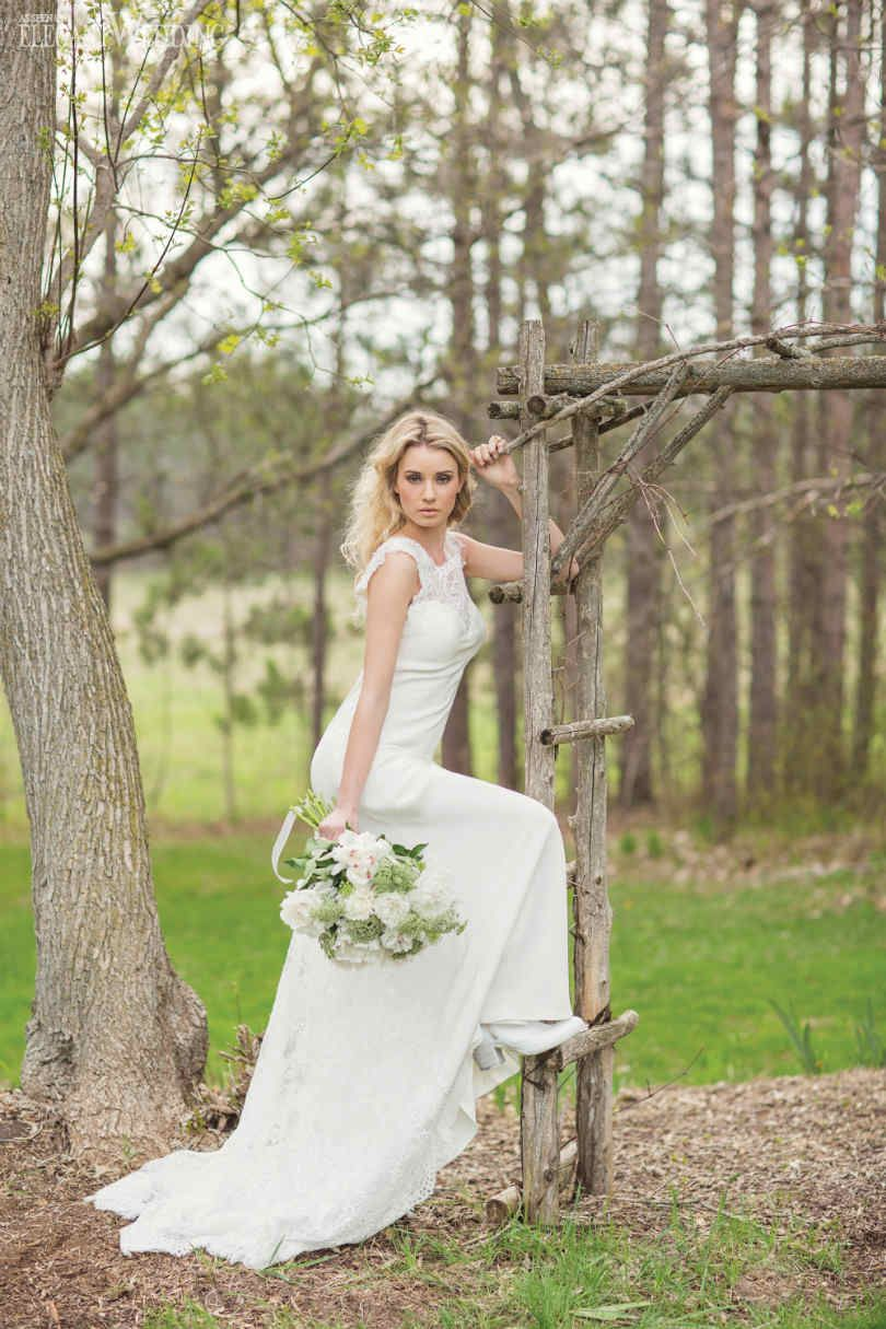 www.TrulyYoursPlanning.com INTO THE WOODS BRIDAL FASHION FEATURE | Elegant Wedding