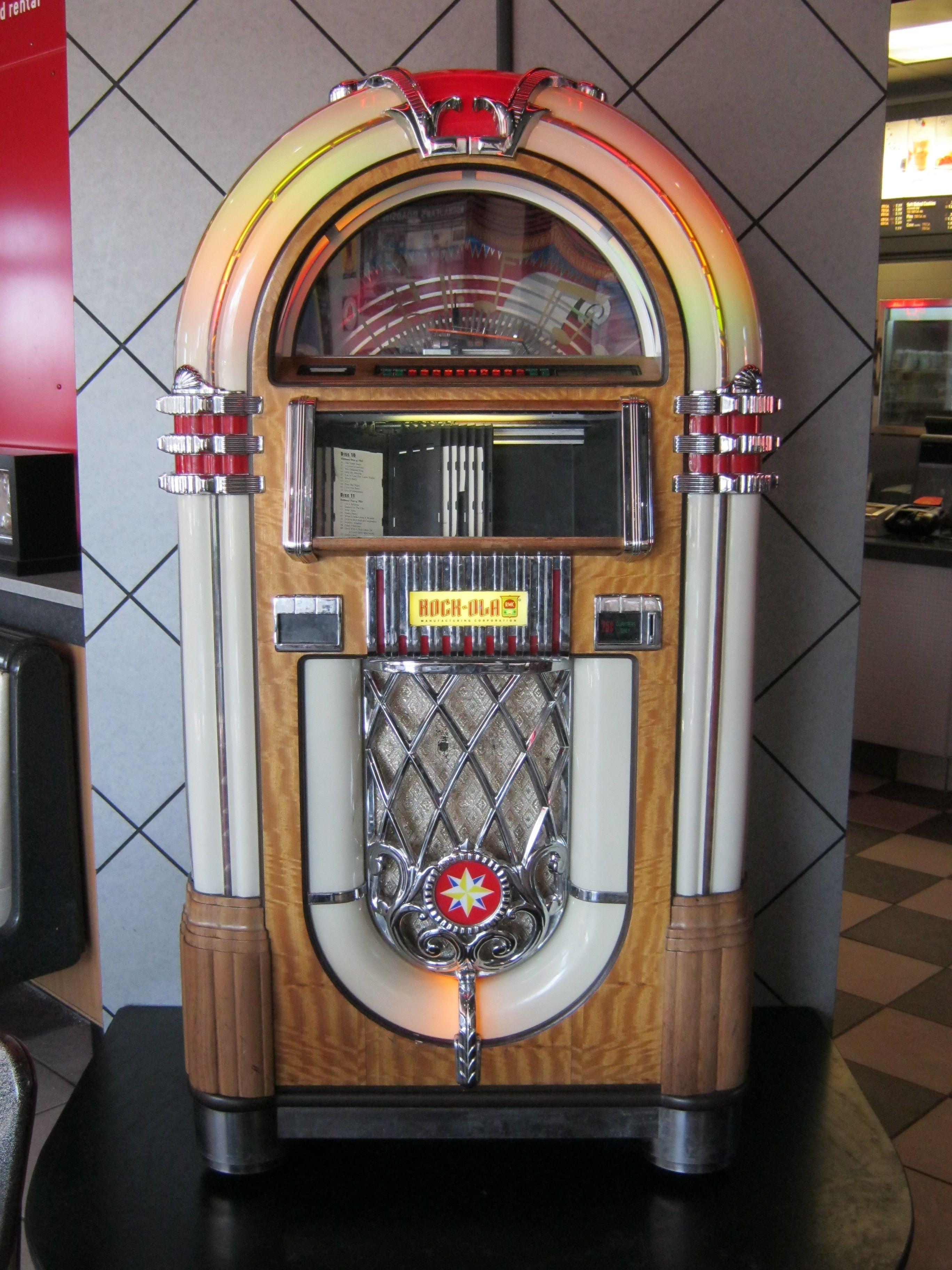 Jukebox photo taken at a mcdonalds at st louis park mn