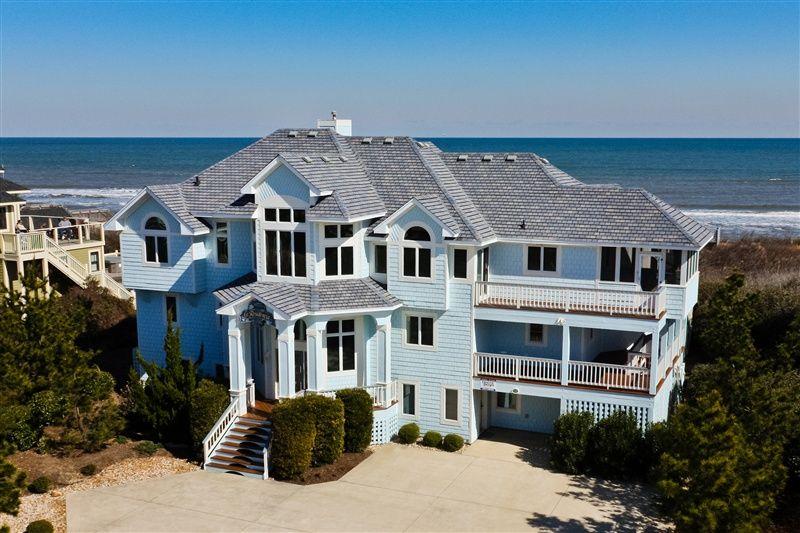 Corolla Vacation Rental 688 La Residencia Carolina Designs Oceanfront Vacation Rentals Beach House Rental Island Vacation Rentals