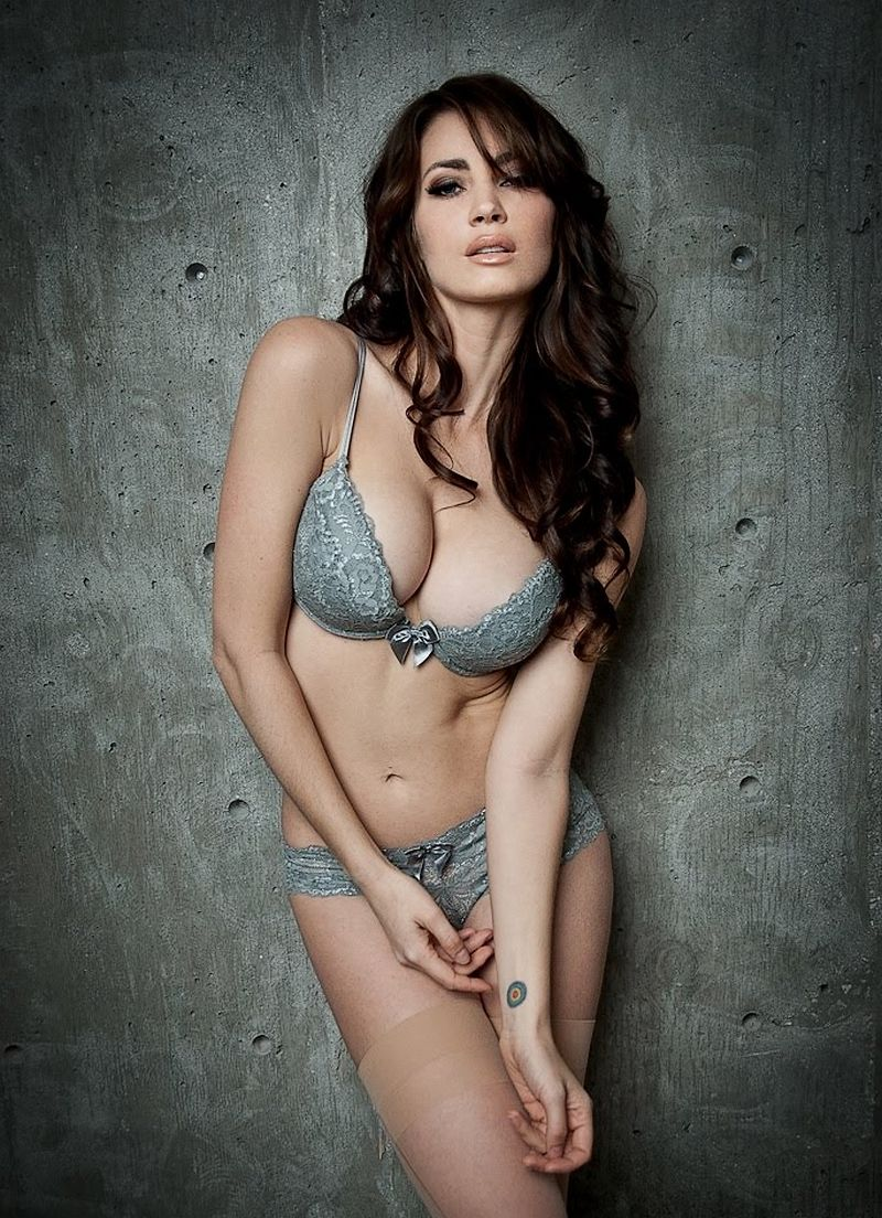Tanit Phoenix Sexy nude (18 photo), Cleavage Celebrites images