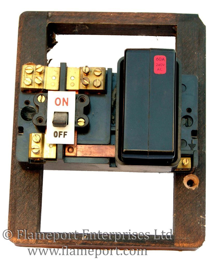 Wylex one way 60A fusebox