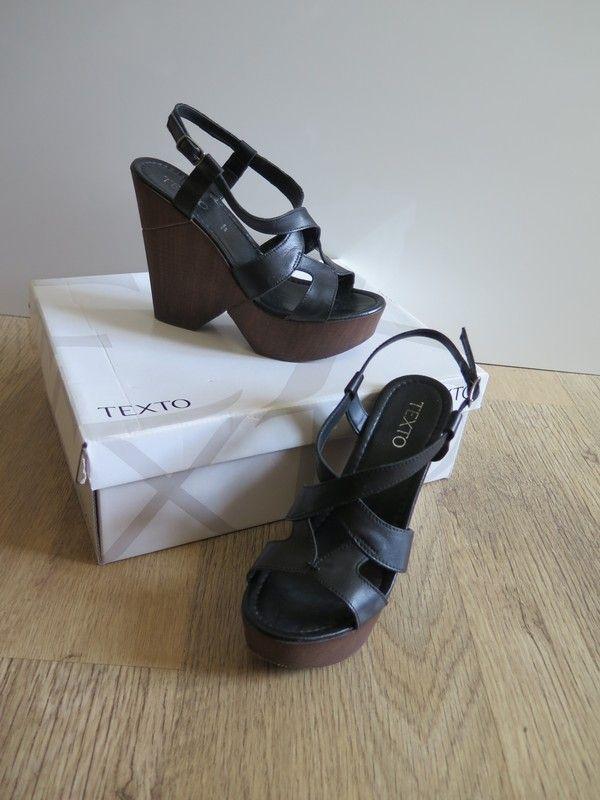 0a7b2ee50feb63 Chaussures compensées, Texto | vide dressing de sab | Chaussures ...