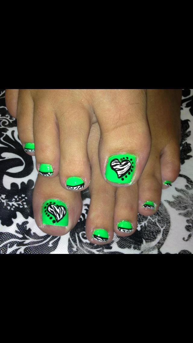 Funky toes | Nail Art | Pinterest | Pedicures, Toe nail art and Toe ...