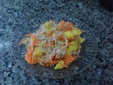 Essa receita fácil de Salada com moyashi (broto de feijão) vai impressionar seus amigos e família! Siga passo a passo que não tem como errar Salada com moy