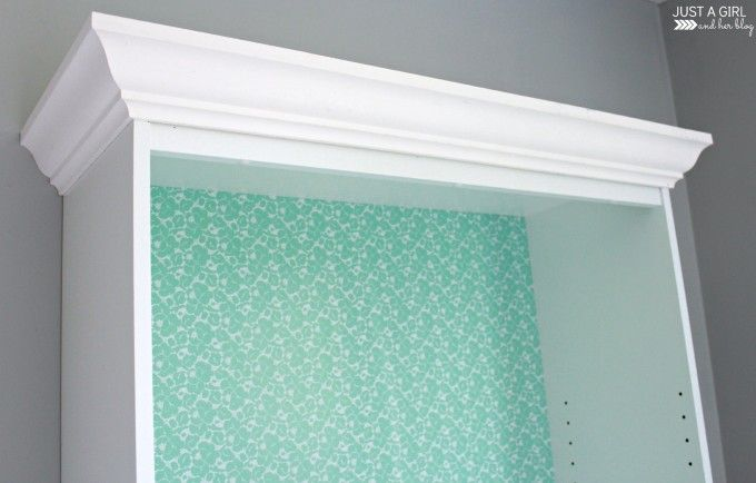 fancy bookshelves with crown molding | feminine home