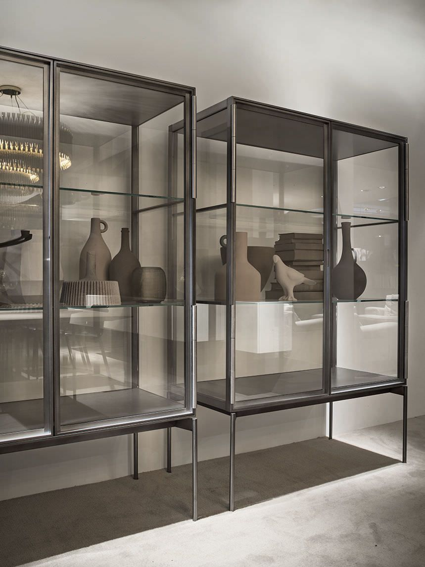 Contemporary Display Case Aluminum Glass Galerist By