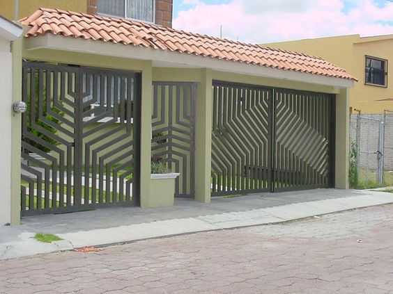 19 Fachada con puerta y porton