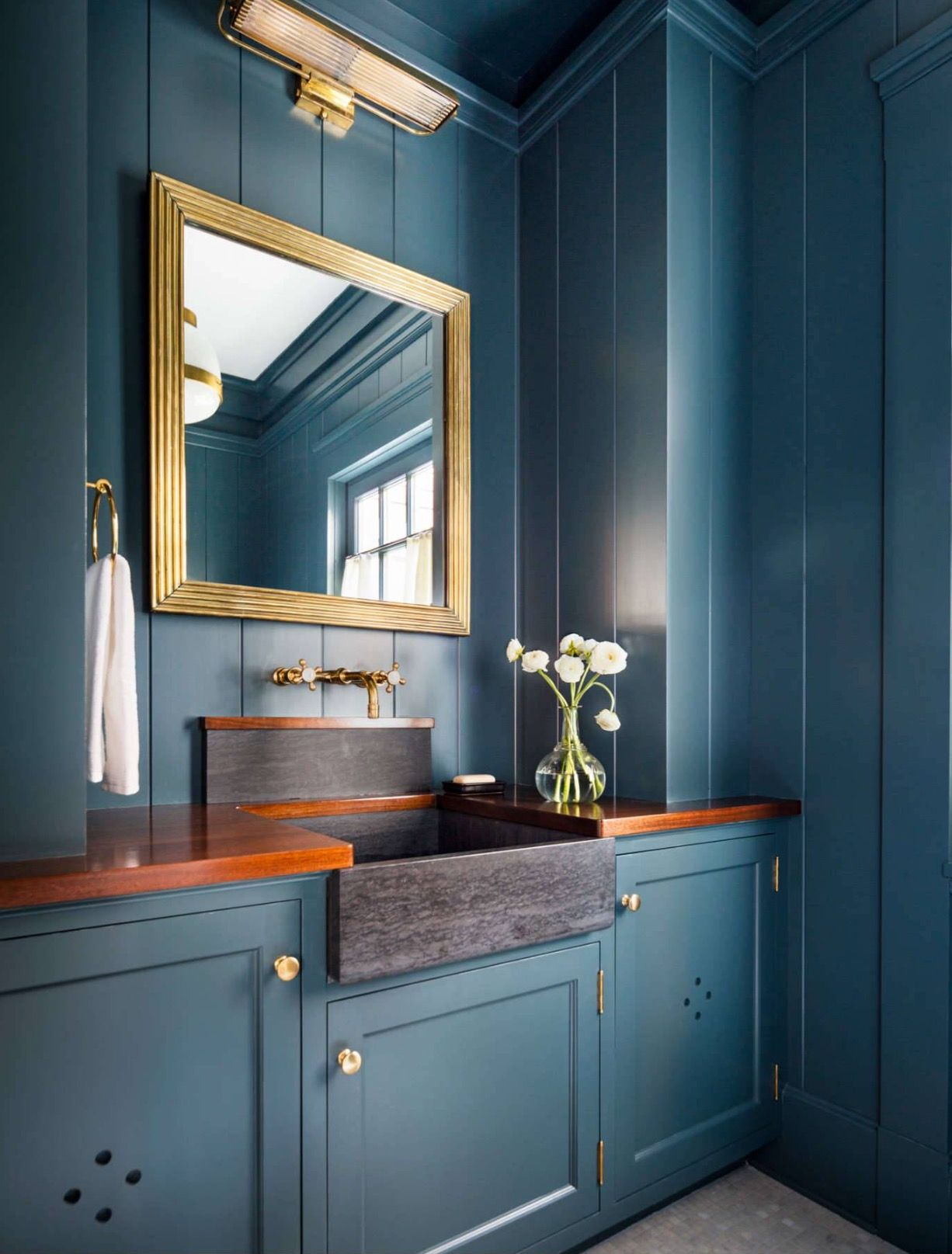Love This All One Color Blue Bathroom Beautiful Homes Diy House Renovations