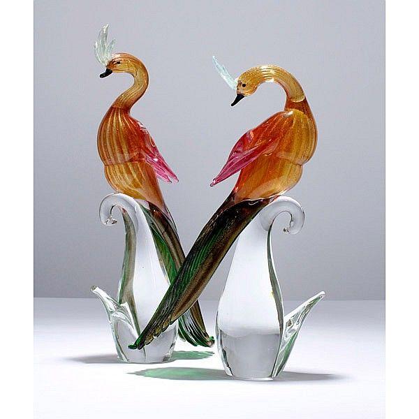 Art Glass Handmade Paperweight Figurine Bird Shape Gold Flake