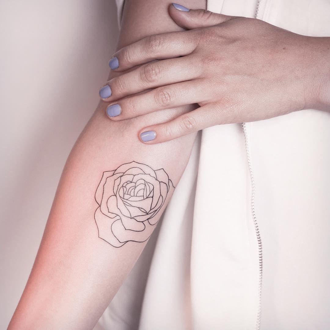 cette rose minimaliste tatouage de plante envie et plantes. Black Bedroom Furniture Sets. Home Design Ideas