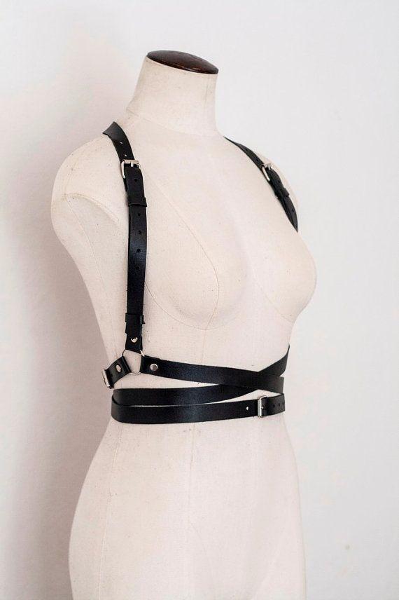 Frauen in straps