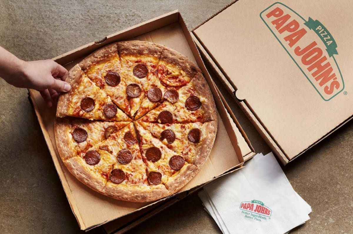 Papa John S Launches 4 New Meaty Vegan Pizzas With Pepperoni And Sausage In 2020 Vegan Pizza Food Papa Johns