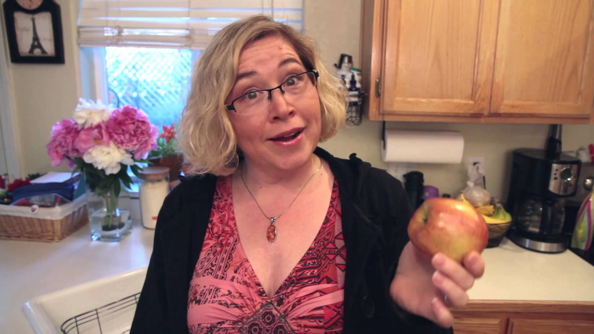 Mom Hack - How to Keep Your Kid's Apple for School From Browning