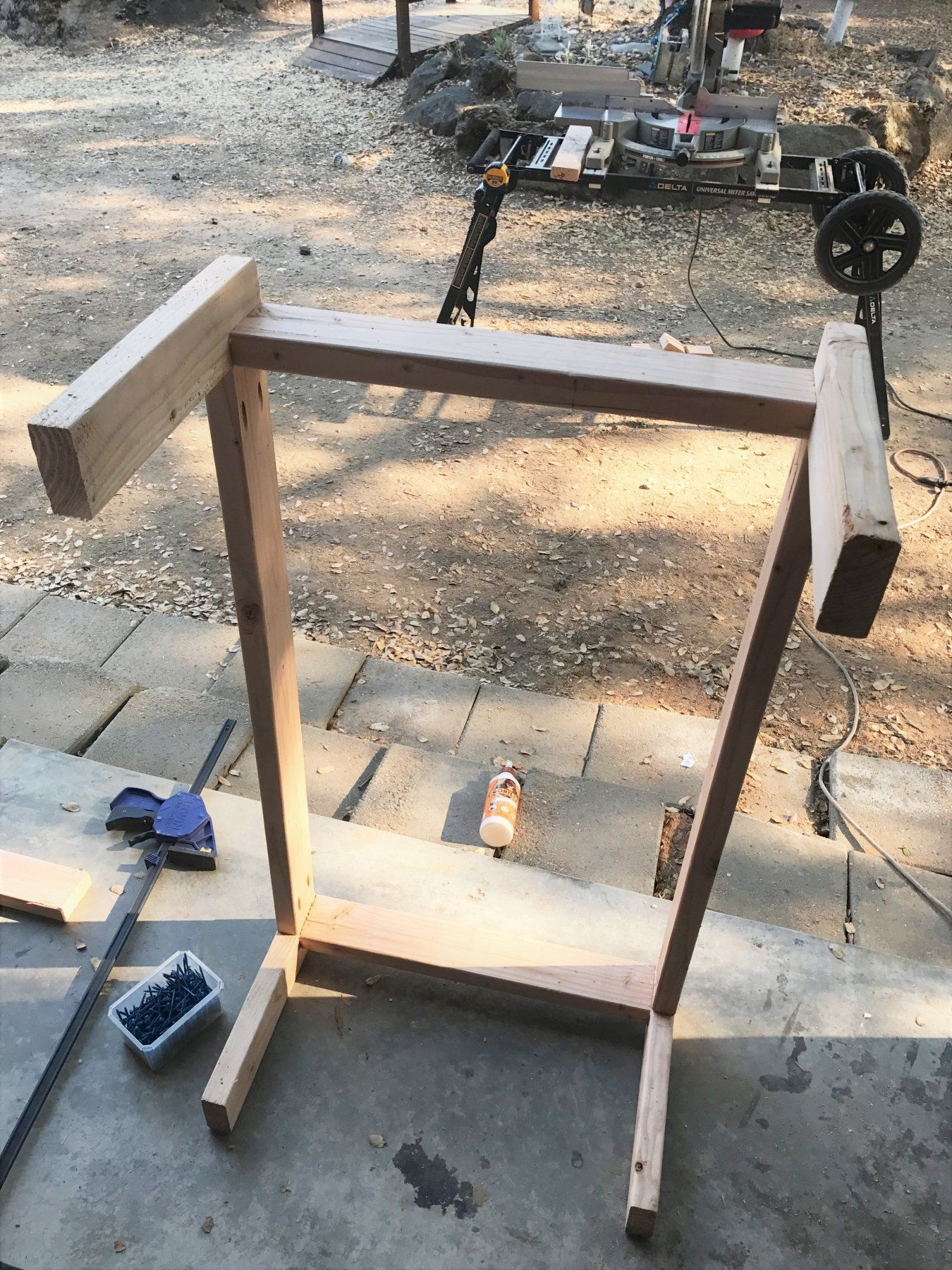 DIY Outdoor Coffee Table - Free woodworking plans ...
