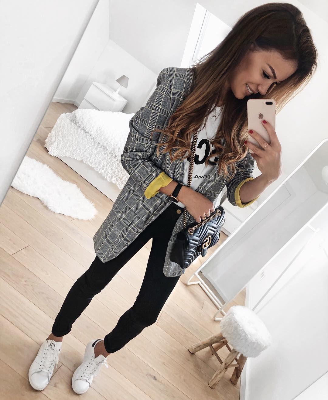 "FASHIONPUGLADY BY JAQUELINE on Instagram: ""Good morning 🤗 I wish you a great week ❤️ #outfit #outfitinspiration #dailylook #dailyoutfit #blazer #blazerlove #seamlessfashion"""