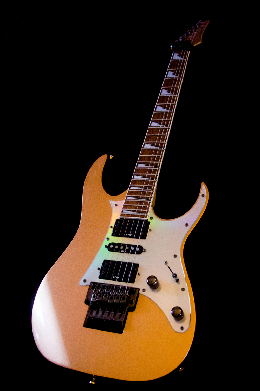 E Gitarrenmuseum Volker Scheidt Das Digitale Gitarrenbuch Gitarrenunterricht E Gitarrenschule Freib In 2020 Gitarrenschule Gitarre Gitarrenunterricht