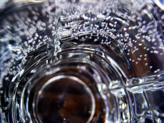 Making your own carbonated  mineral h2o