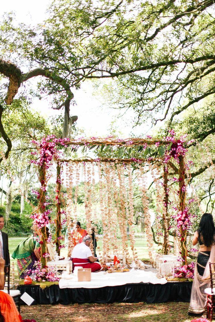 The crimson bride image bohemian south indian wedding in new bohemian south indian wedding in new orleans usa swathi junglespirit Images