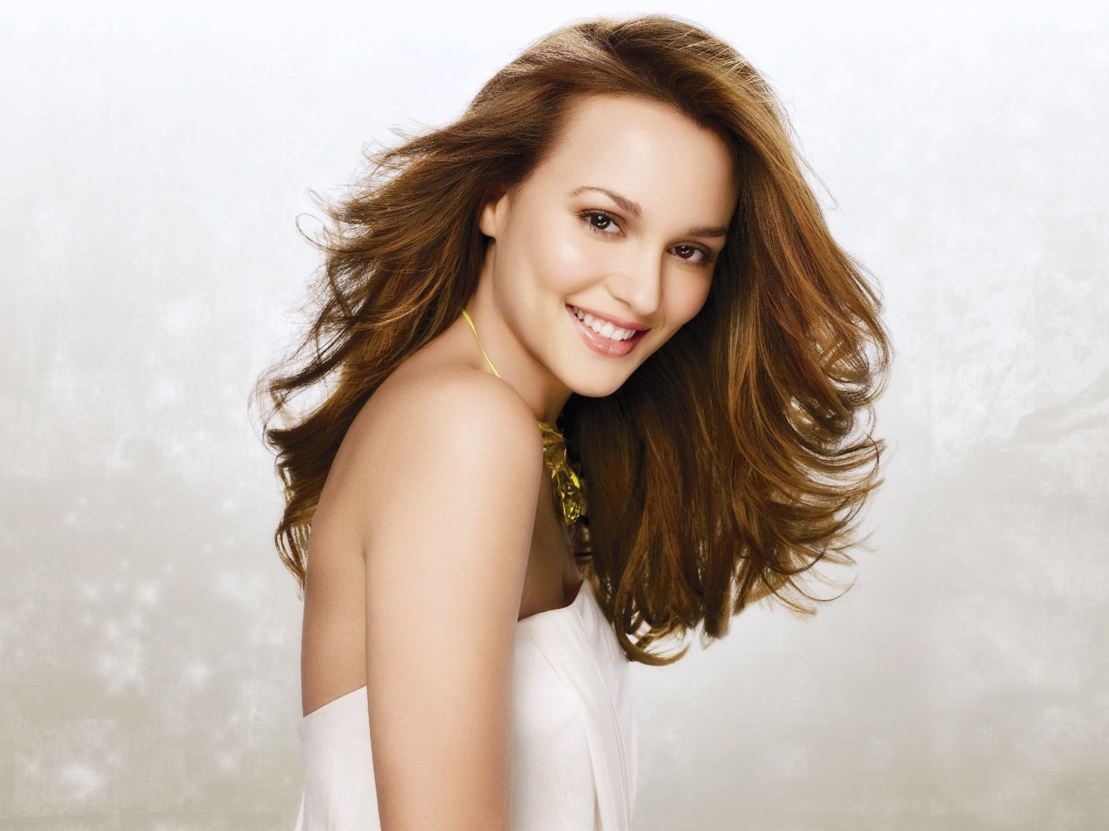 Leighton Meester 3 With Images Hairdo For Long Hair Long Hair Styles Long Hair Tutorial