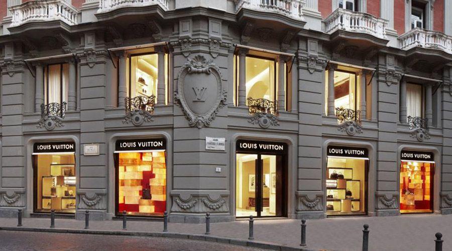 Via dei Mille a Napoli: la storia, come arrivare