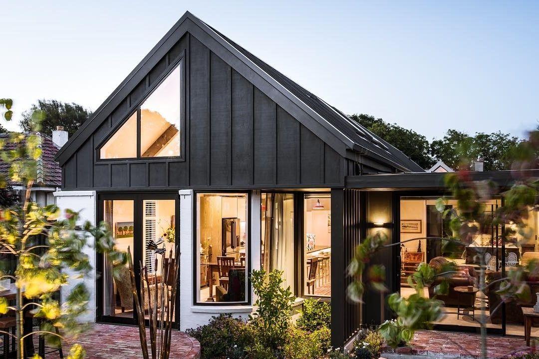 15 Beautiful Board And Batten Siding Ideas House Exterior Farmhouse Exterior Board And Batten Exterior