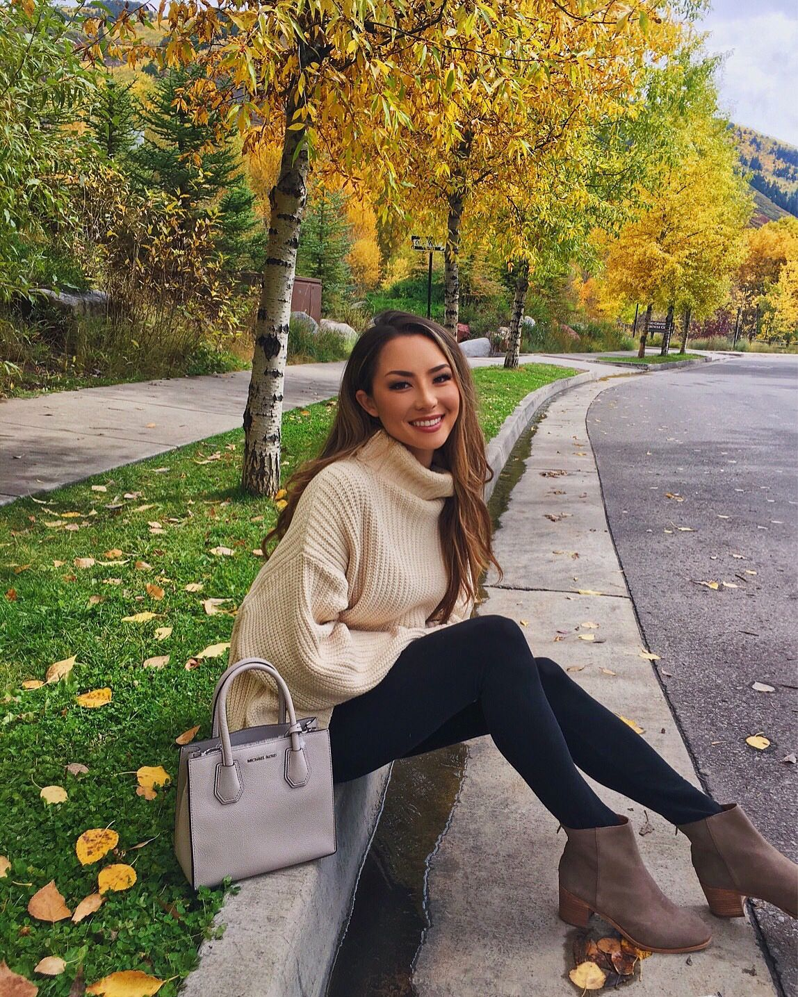 The Perfect Oversized Sweater - Hapa Time | Fall Outfits | Pinterest