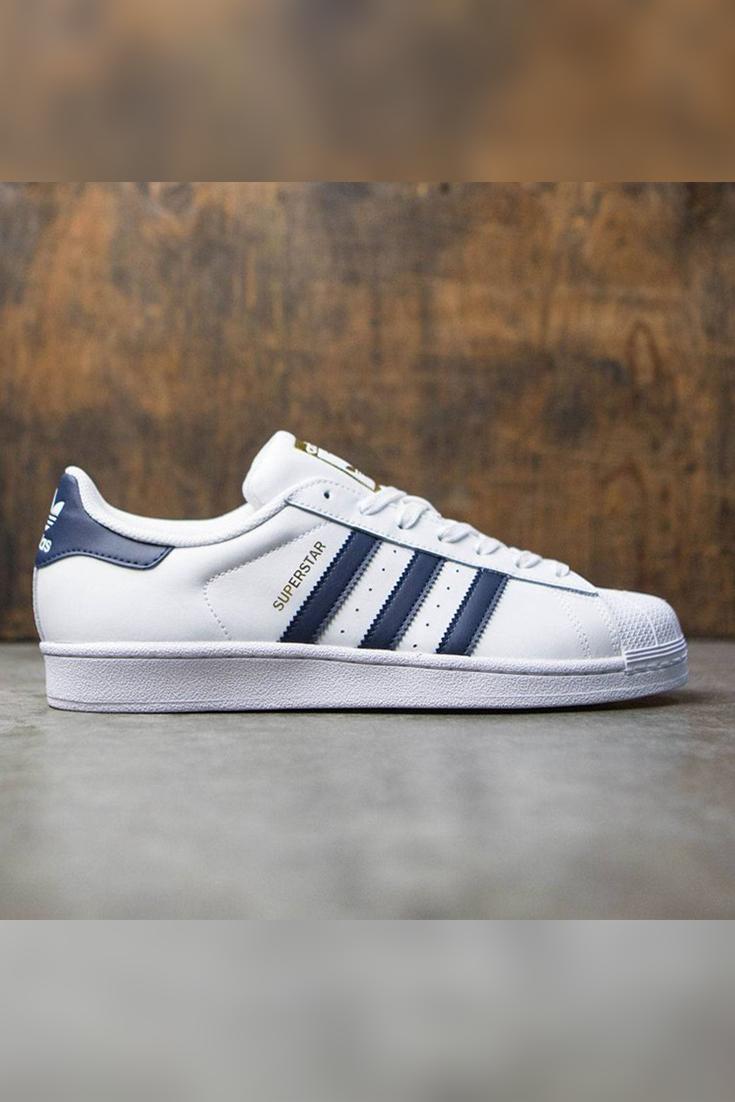 8fd4ce0fb9 Adidas Superstar è una delle scarpe più vendute e personalizzate tra quelle  della sua categoria.