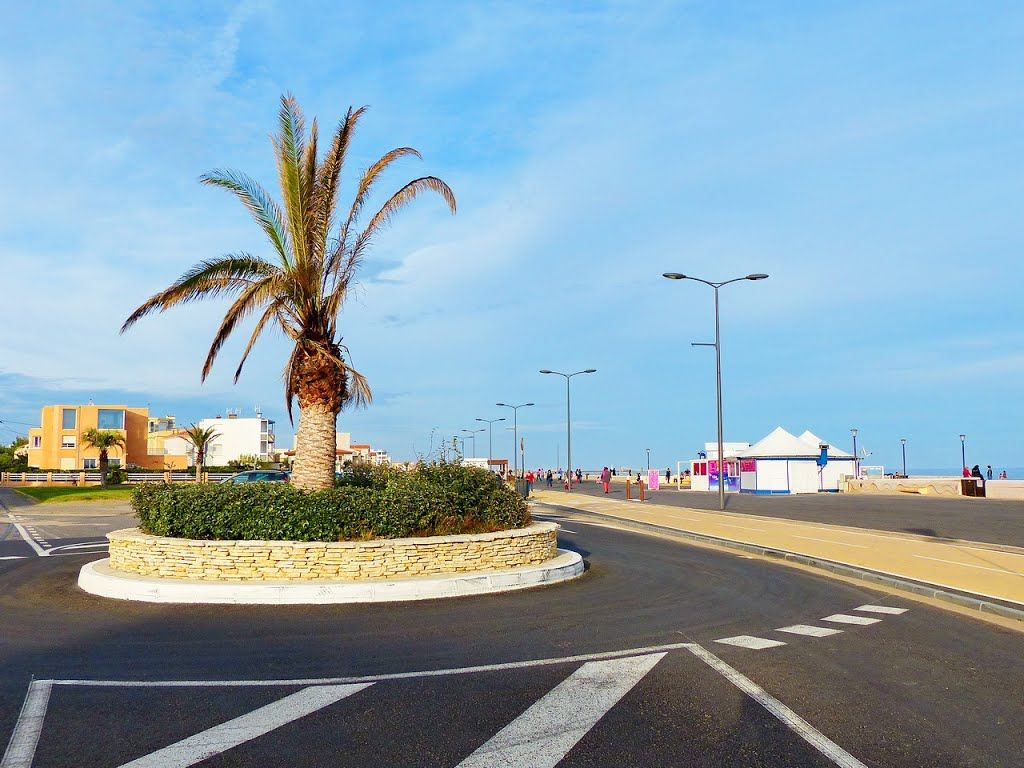 Photo Of France Le Rond Point Des Merlins A Narbonne Plage South Of France Languedoc Roussillon Languedoc