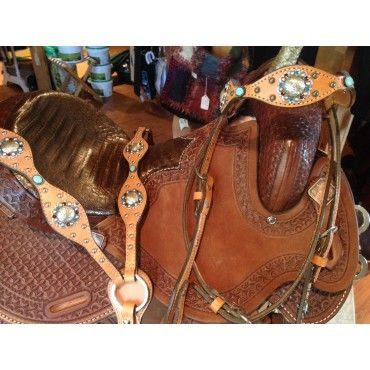 Turquoise and Swarovski Crystals make this #blingedouttack fun and flashy.  By Jewelry on Tack. Find this and other great barrel racing tack sets at http://www.northerntack.com/jewelry-on-tack-custom-turquoise-dot-swarovski-crystals.html.