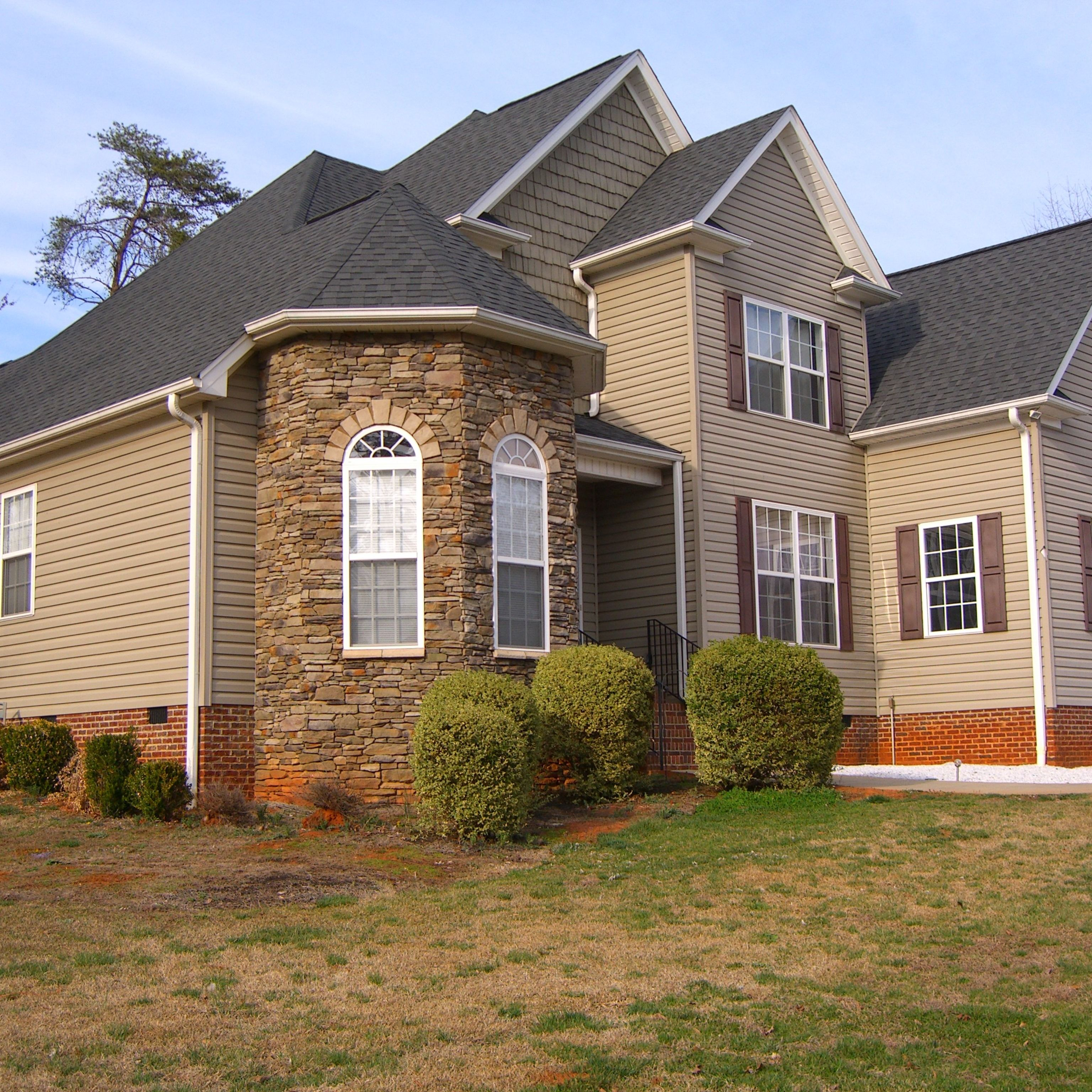 New Listing 329 900 For Sale 5 Bed 3 Full Bath Bonus Room 3 023 Sq Ft 1 15 Acres 99 Fairway Dr Pickens Sc 29671 House Styles Bonus Room Full Bath