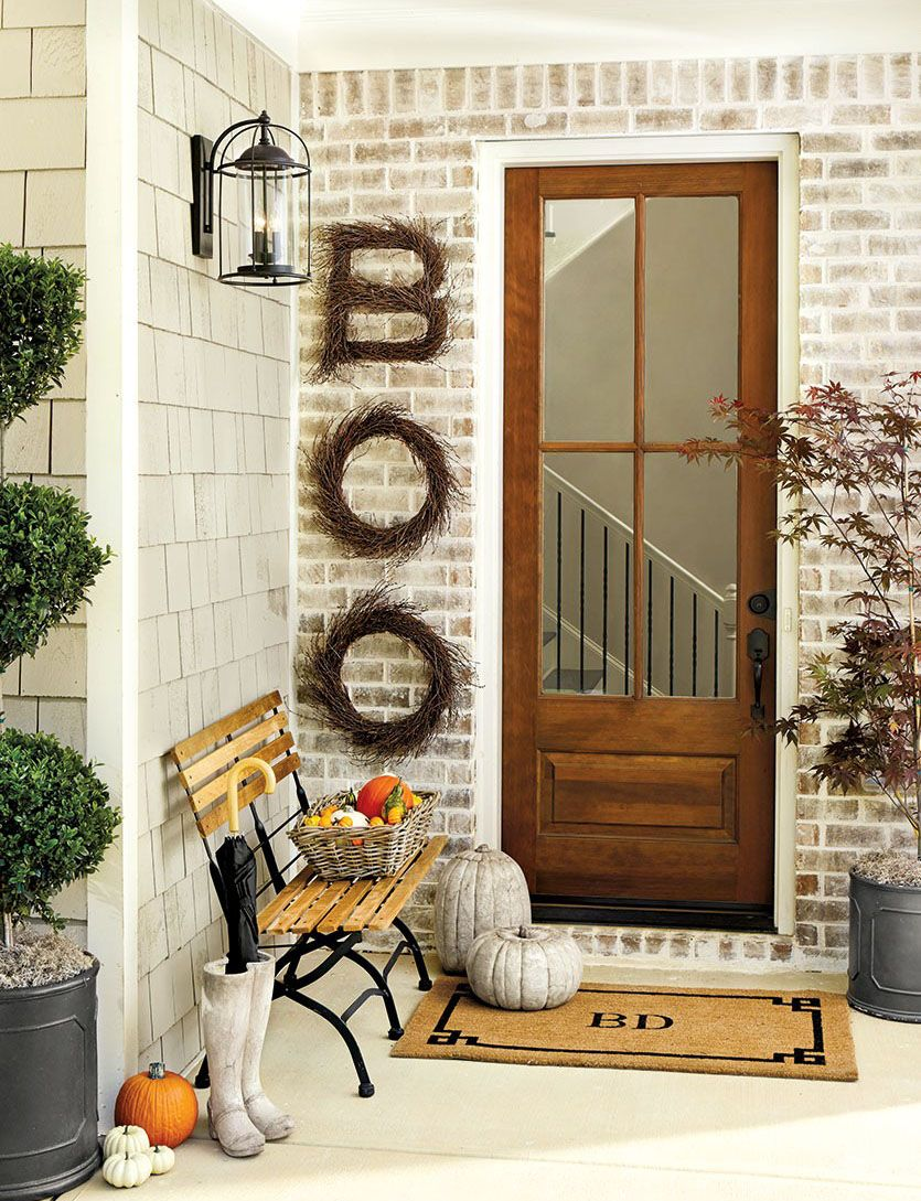 10 Halloween Curb Appeal Ideas That Are Surprisingly Stylish Front - front door halloween decoration ideas