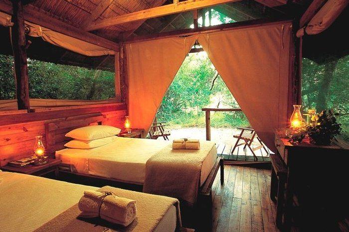 By Kosi Forest Lodge, Maputaland: http://www.lekkeslaap.co.za/akkommodasie/kosi-forest-lodge