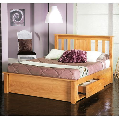 Sturdy And Stylish Oak Bed Frame Features A High Slatted Headboard Low Foot Board Available In A Quality Oak Veneer Dengan Gambar Tempat Tidur Anak Furniture Tempat Tidur