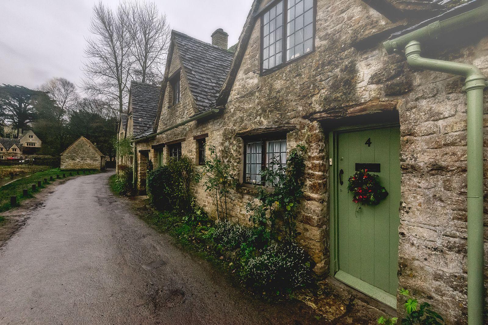 Sone Cottages Bibury by Helminadia Ranford on 500px