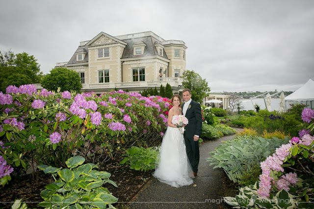 Lori Andrew An Intimate Wedding At The Chanler Inn At Cliff Walk Intimate Wedding Wedding Beautiful Wedding Photography