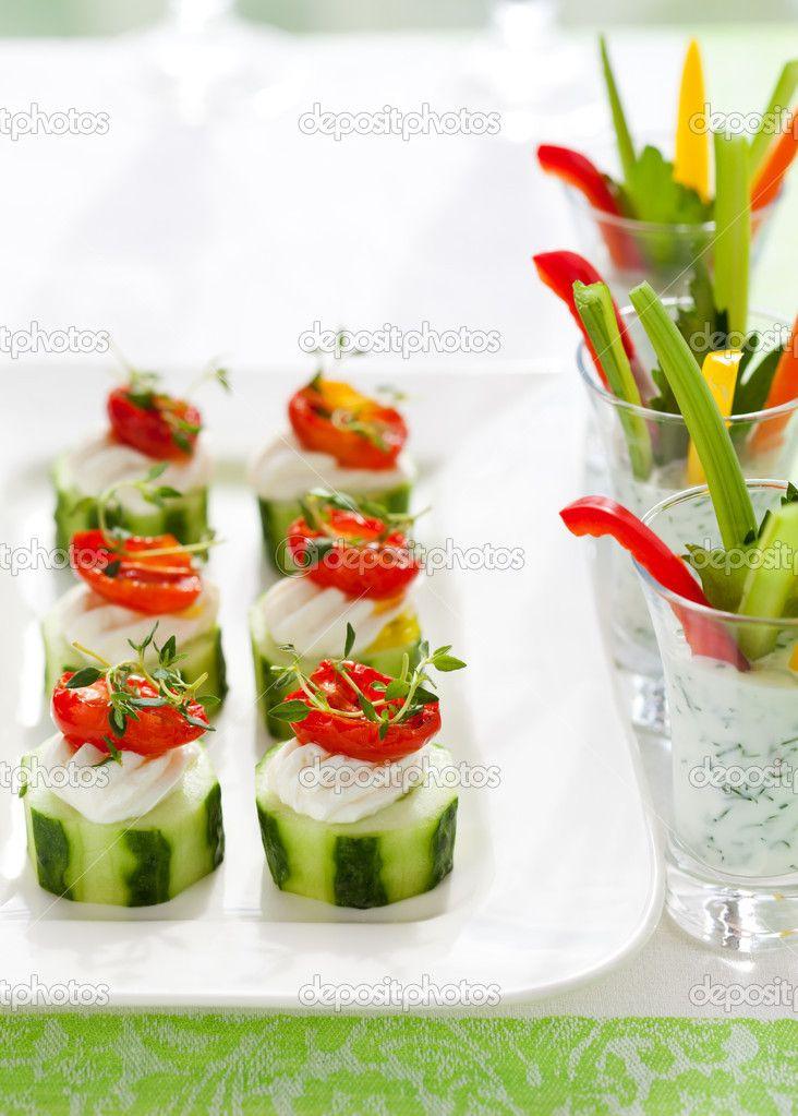 depositphotos_7806751-Holiday-vegetable-appetizers.jpg 732×1.023 piksel