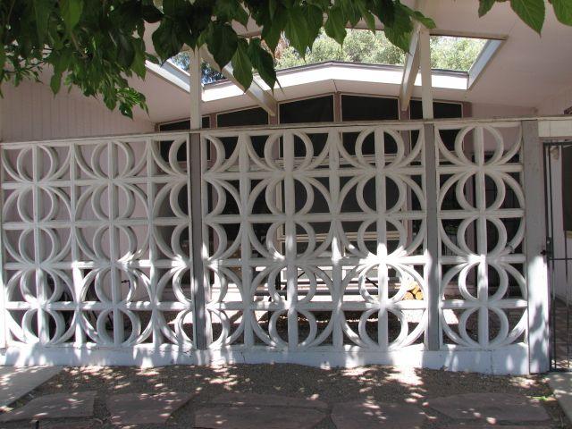 Pin By Cristina Rybak On Backyard Ideas Breeze Block Wall