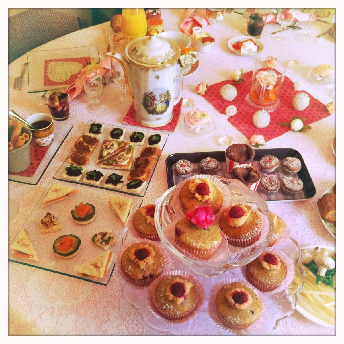 For my 34 years , a sweet and beautiful Tea Party home made by my dear Mum ♥ South west France, tea time lovers ;-)