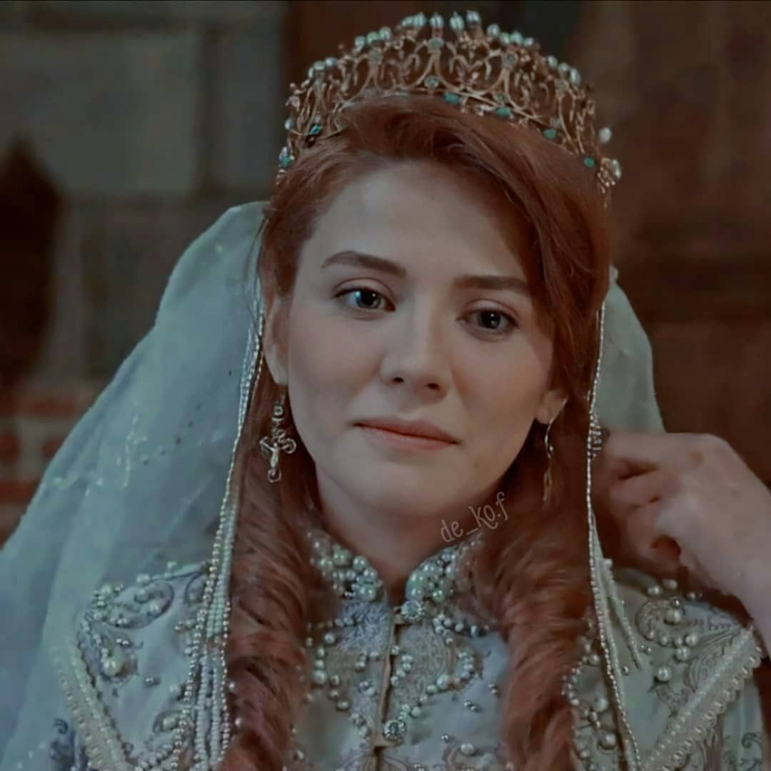Iyi Ertugrul Ertugrul Ghazifp Added A Photo To Their Instagram Account Helena Hafsa Hatun Turkish Women Beautiful Turkish Clothing Beauty Girl