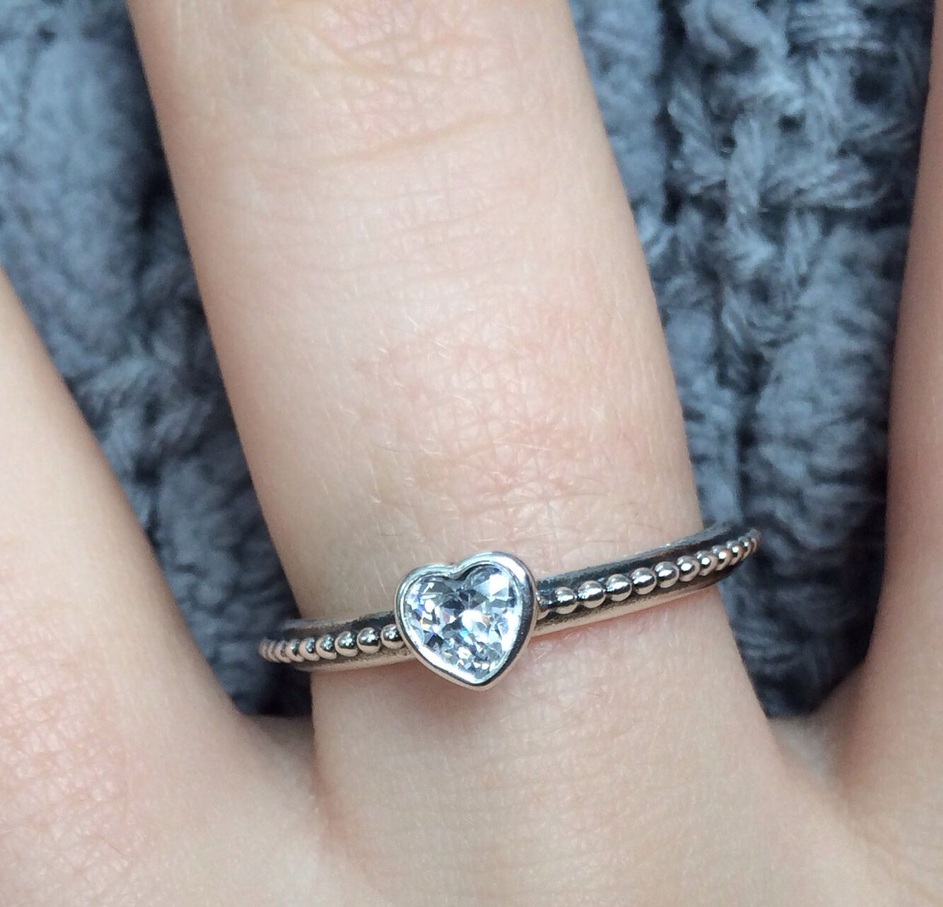 Cutest little pandora ring I wear this with my princess ring I just love  them ❤️