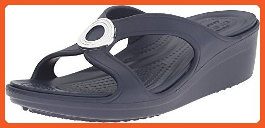 b96cc13ef608b crocs Women s Sanrah Beveled Circle W Wedge Sandal
