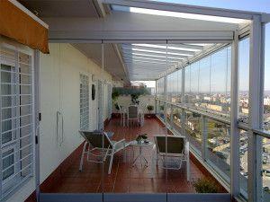 Cerramiento de atico con techo acristalado y cortina de - Cerrar terraza atico ...