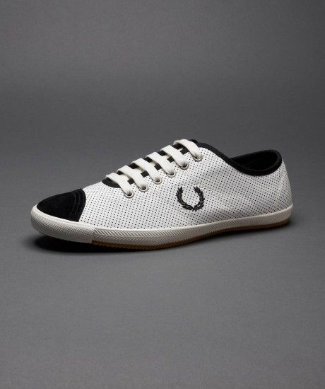 Fred Perry - Table Tennis Polka Dot Shoe - Blanc porcelaine/noir - £60.00