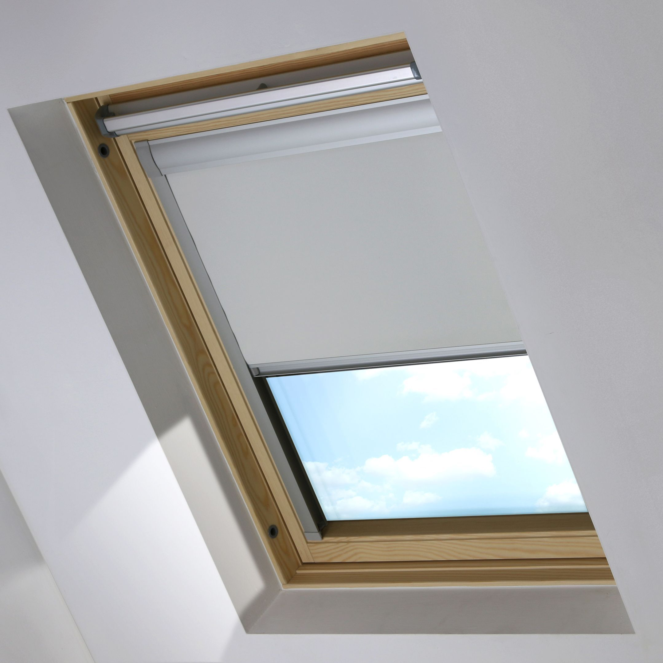 Bloc blackout skylight blind blossom white skylight