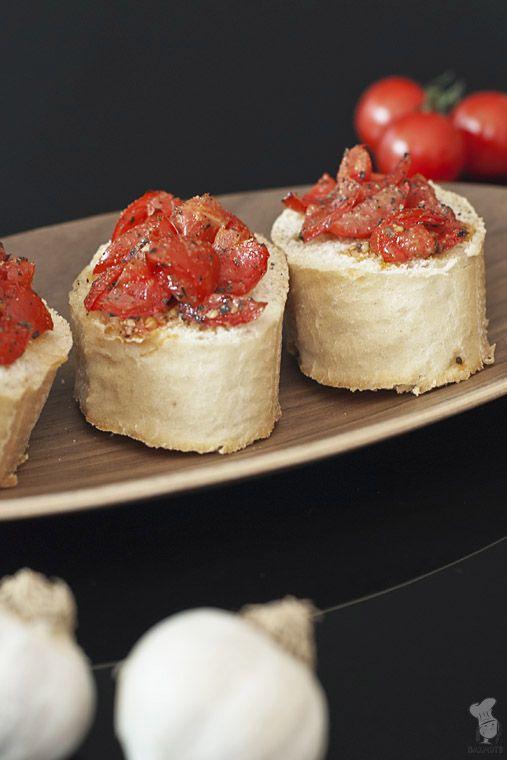 Bruscetta met tomaat, knoflook en basilicum