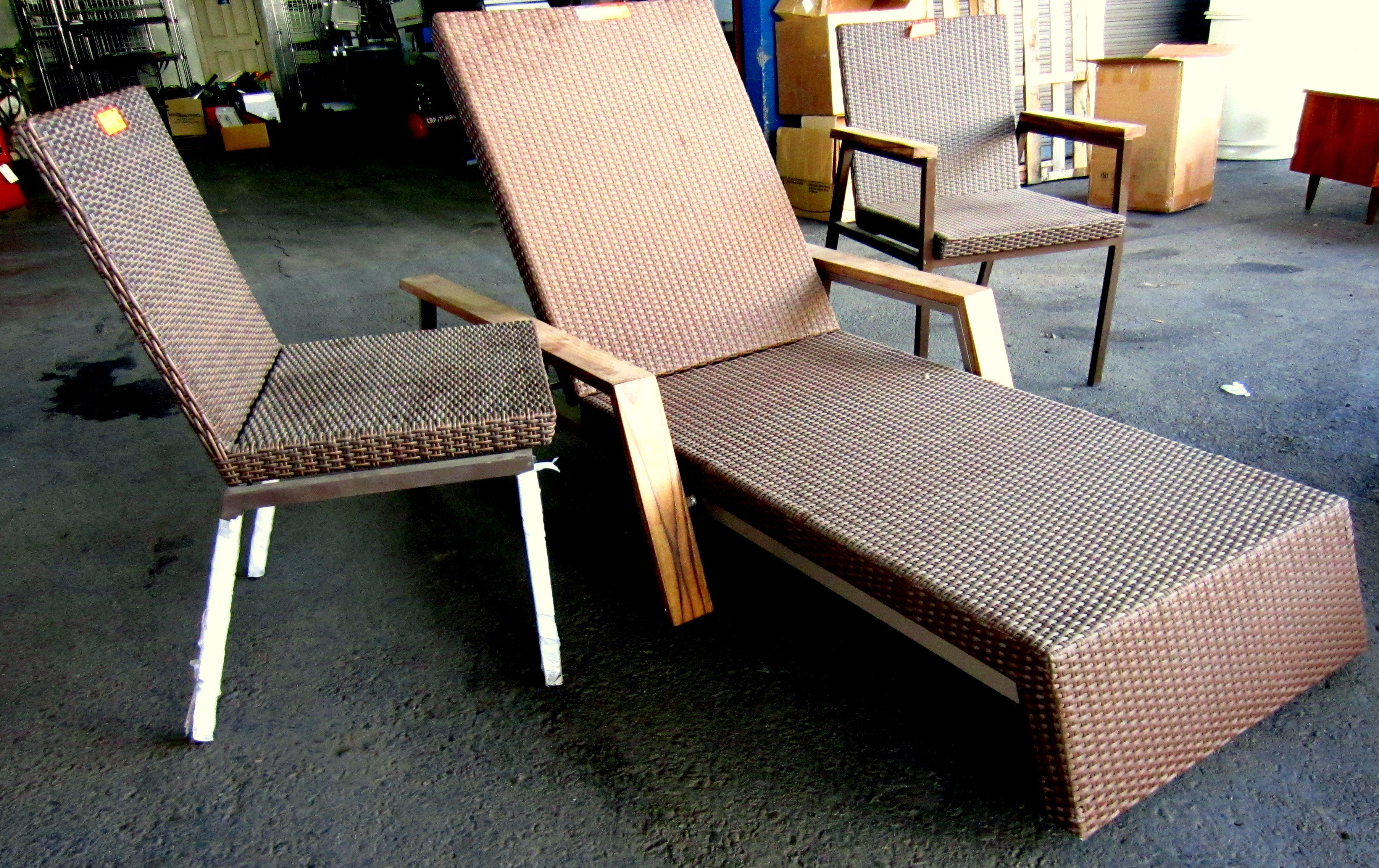 An extremely beautiful 3-piece lounger set up for auction on June 8th! http://www.facebook.com/sierraauctionaz