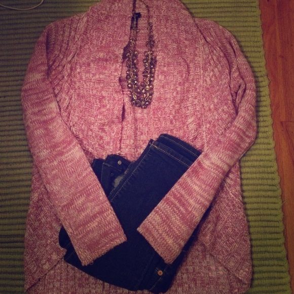Pink open cardigan Gently used but in great condition, no holes or pills or anything. Super cute! Amazing with jeans! Rue 21 Sweaters Cardigans