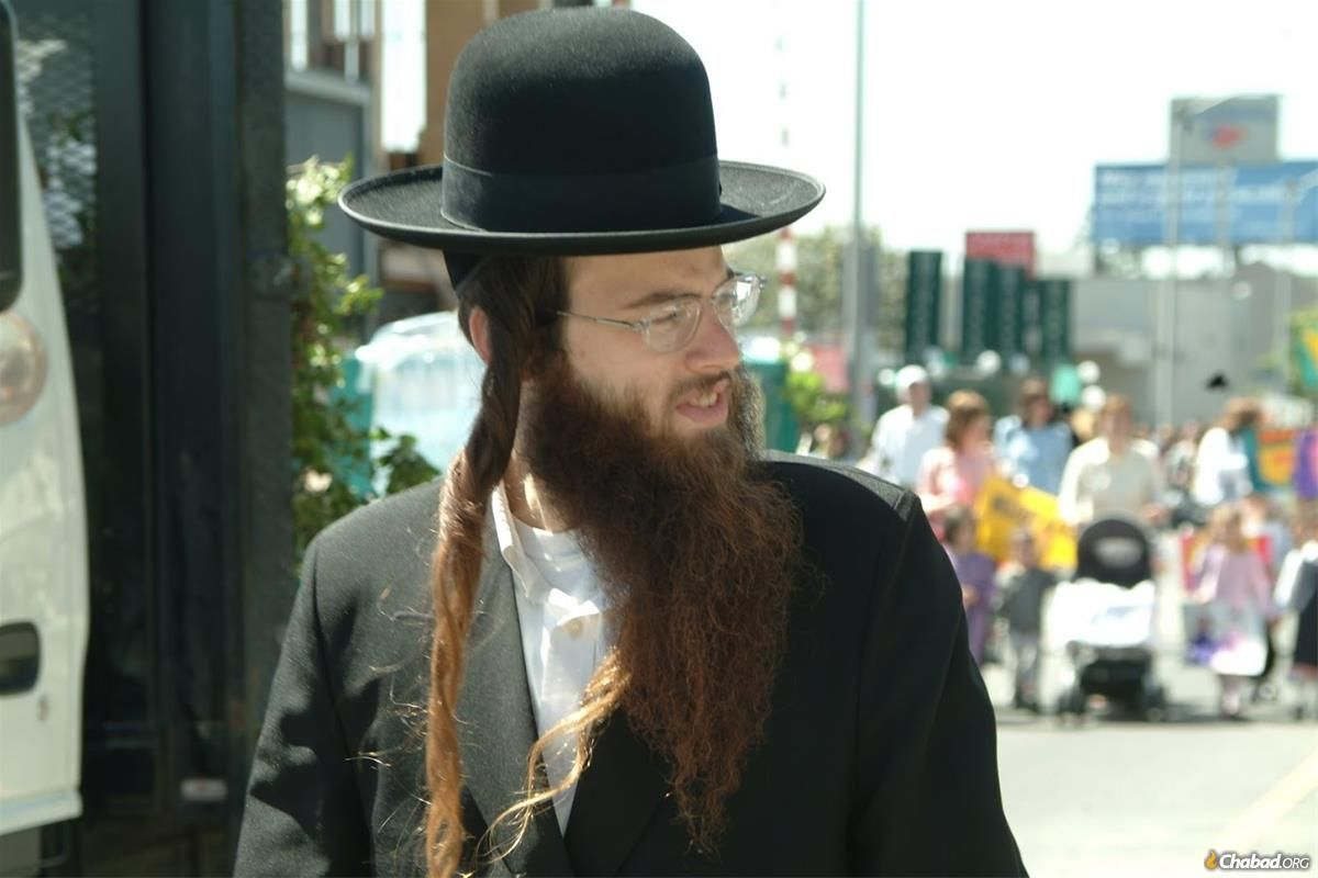 17 Facts Everyone Should Know About Hasidic Jews Jewish Men Hairstyle Mens Hairstyles