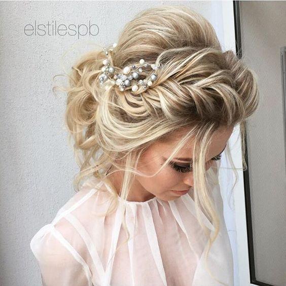 Steek jouw lange lokken eens sierlijk op! 10 beeldige opsteek ideetjes voor dames met lang haar. - Kapsels voor haar